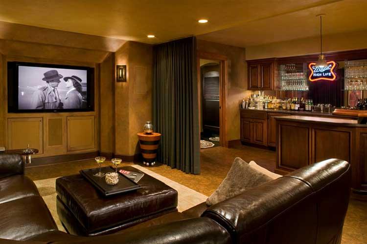 Evde izlemek için sinema ekranları