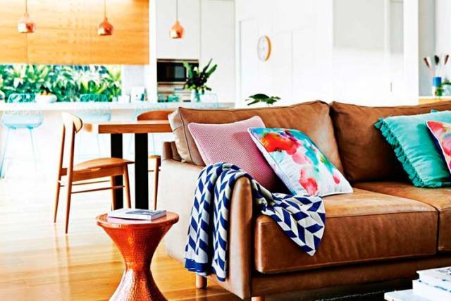 Ev dekorasyonunda deri kanepeler