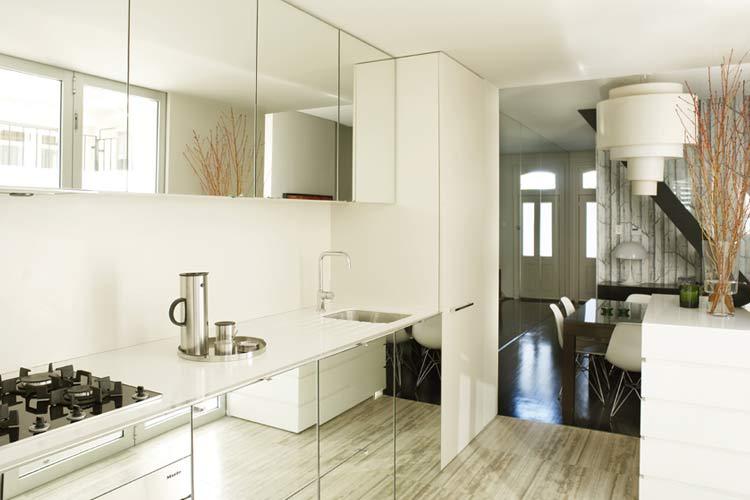 Ayna mobilyaları ile dekorasyon