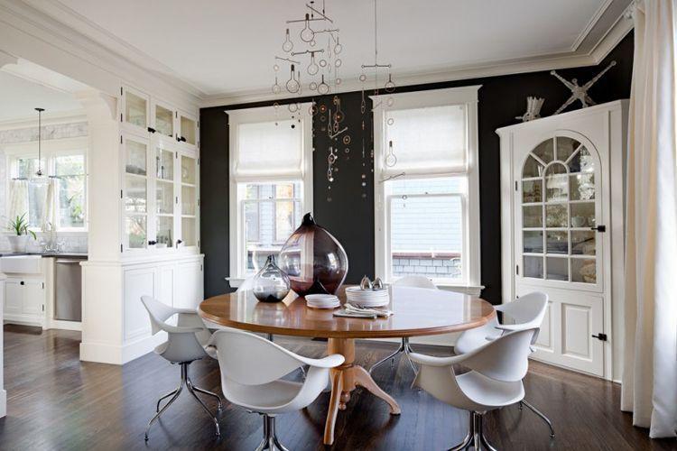 Yemek odası dekorasyonu için vitrinler