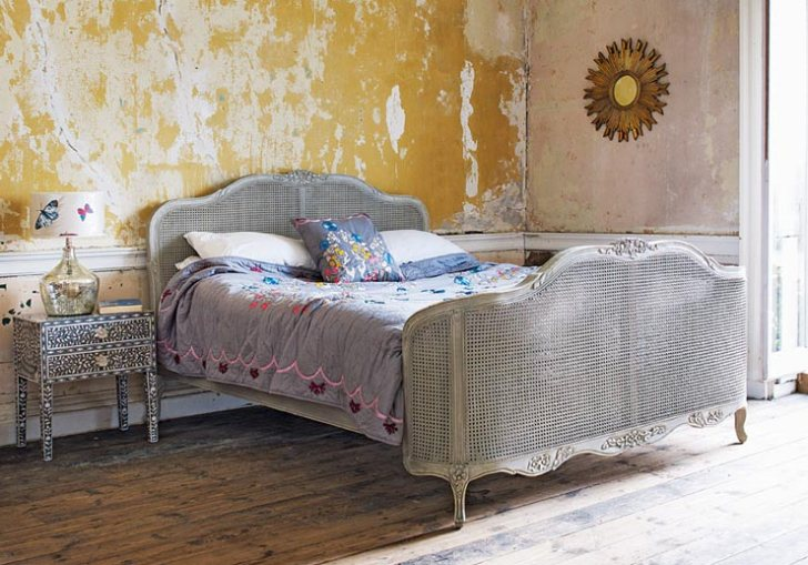 Shabby Chic Furniture Colors