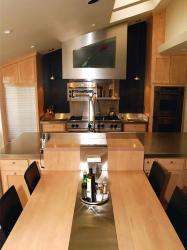 kitchen kitchens space contemporary modern saving hgtv dining eat table stylish cabinets layouts cramped designs decorating counter tiny outstanding clever