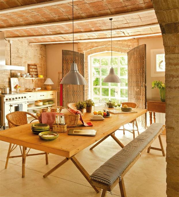 Farmhouse With Romantic and Warm Interior - Decoholic