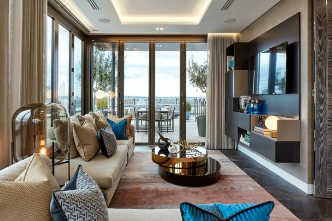Exceptional Triplex Apartment Overlooking The River Thames Tops