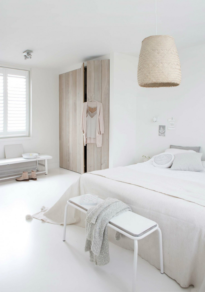A Sophisticated WhiteThemed Home  Decoholic