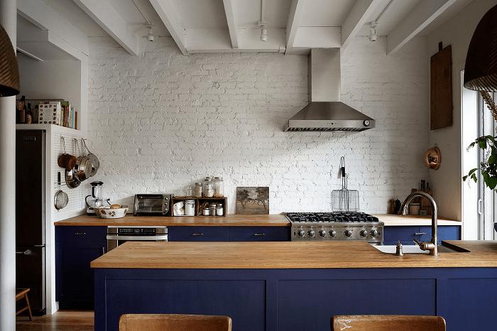 fake eames chair kitchen cushions walmart a peek inside catbird founder's brooklyn brownstone home - decoholic