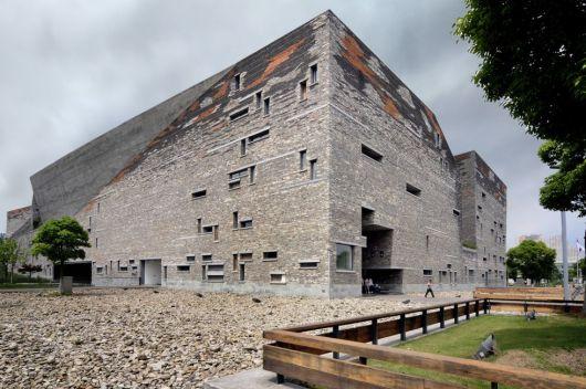 Fachada del Museo de Ningbo (China), proyectado por Wang Shu, premio Pritzker de arquitectura 2012.