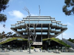 39. UCSD Geisel Library (San Diego, California, EEUU)