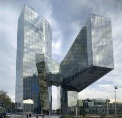 88. Gas Natural headquarters (Barcelona, España)