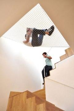 Hamaca sobre las escaleras 2