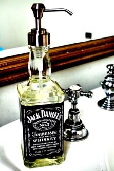 Una botella puede ser un divertido dispenser de jabón liquido