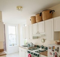 Decorating above white kitchen cabinets | Decolover.net