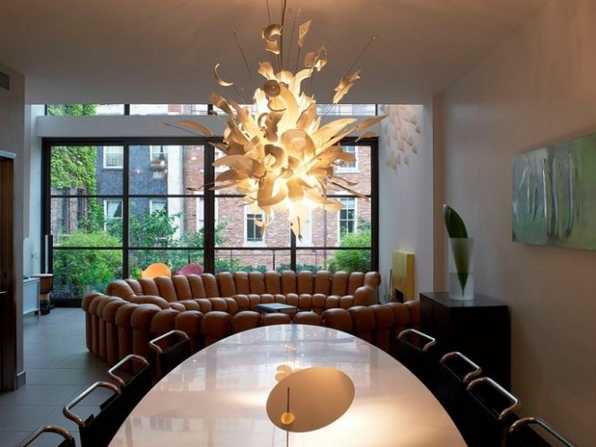 Modern Unique Dining Room Chandeliers Combined With Oval Table
