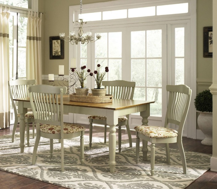 Country Dining Room Decor for a Warm Cozy Place to Gather