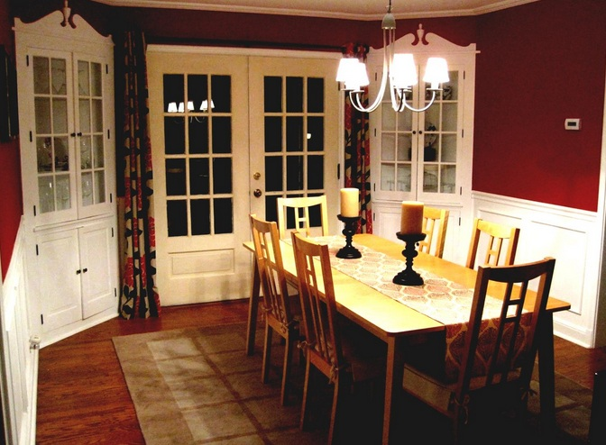Small Formal Dining Room Ideas With Crystal Chandelier And