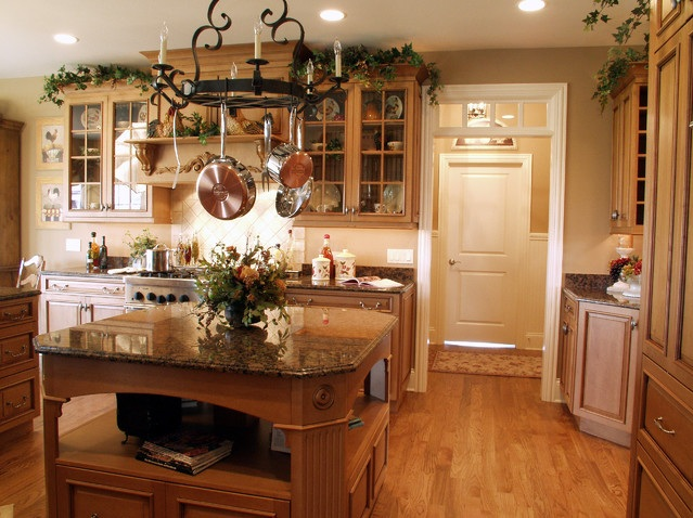 Greenery above kitchen cabinets ideas in solid wood