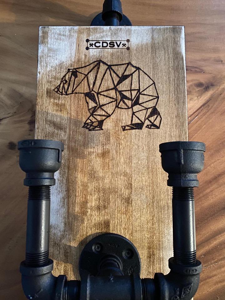 Chandelier bois et tuyau fer au look industriel