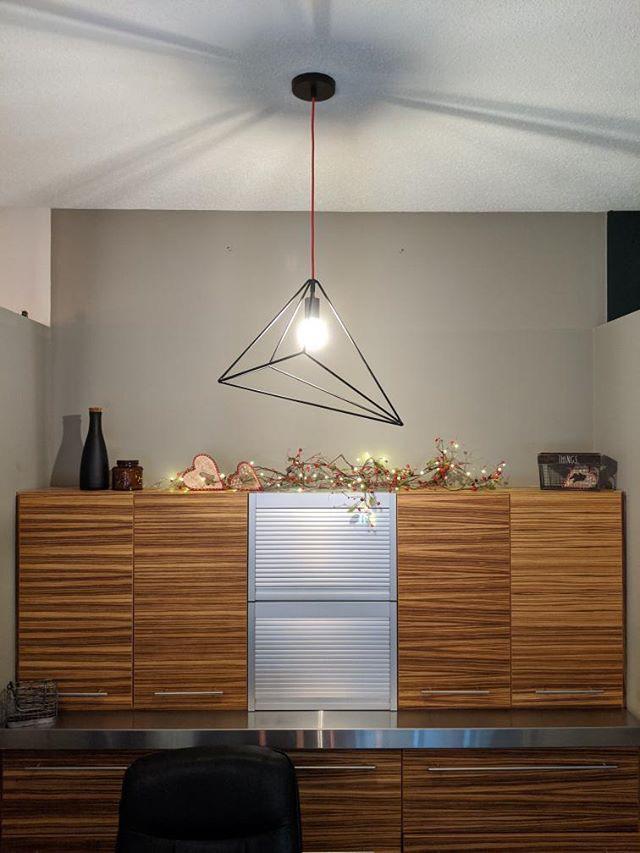 Luminaire suspendu en métal
