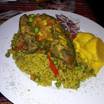 arroz con pollo con papa a la huancaina