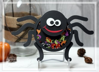 Spider Shaker Card by Jen Shults