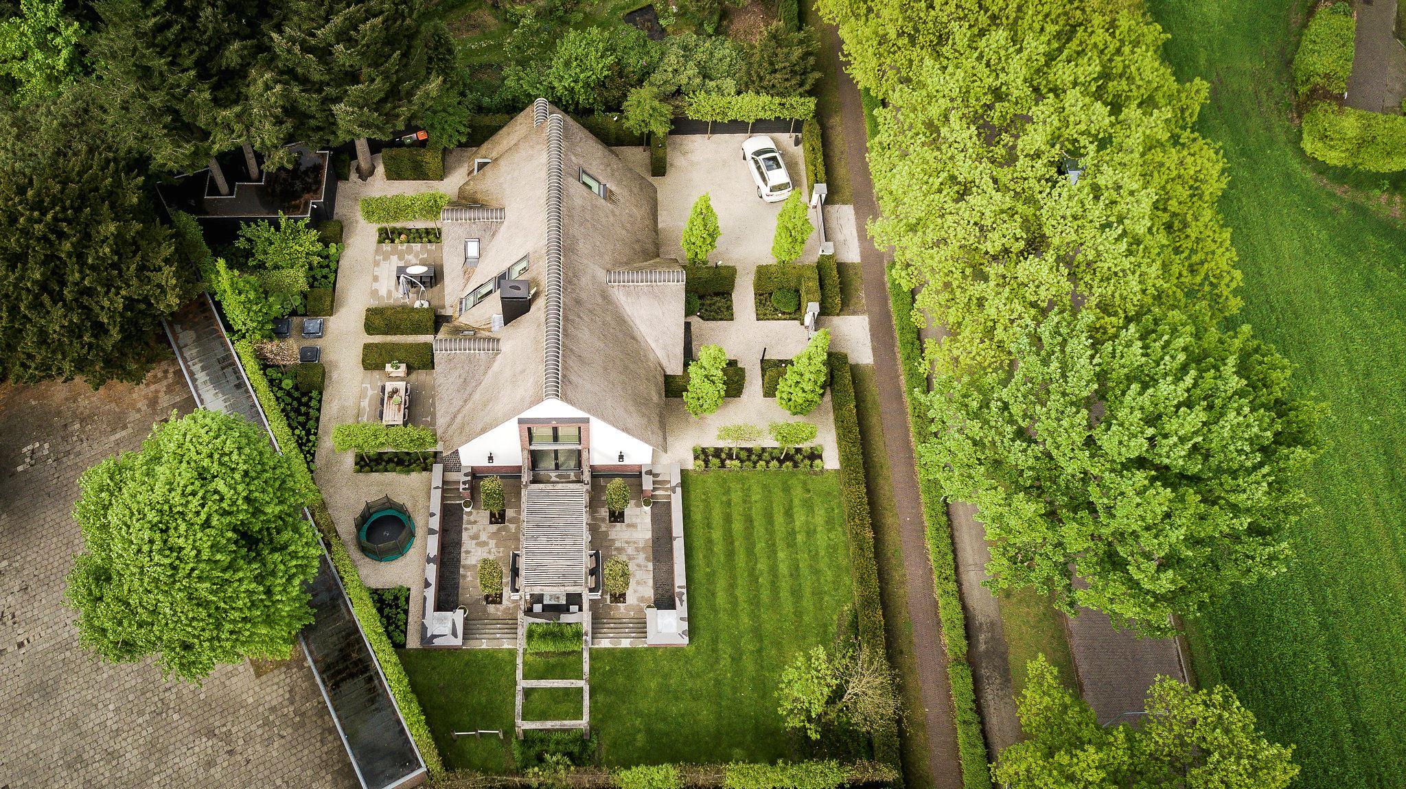 дом и участок вид сверху