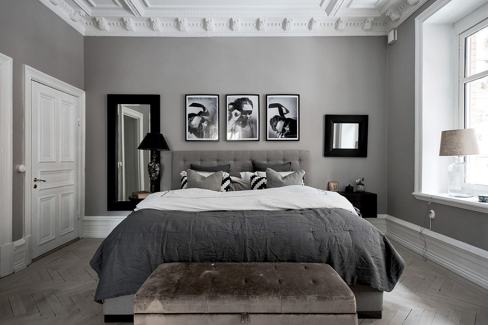 спальня потолок лепнина кровать плинтус