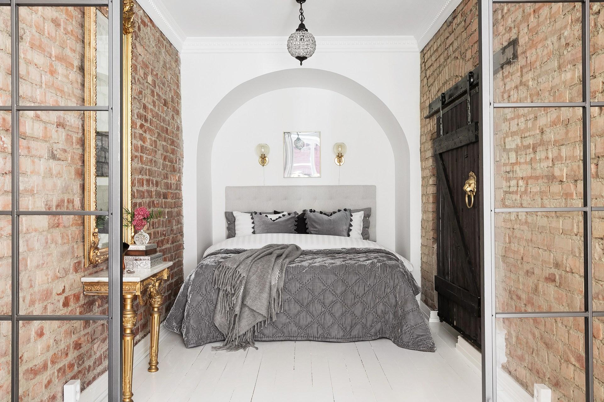 спальня ниша кровать дверь купе