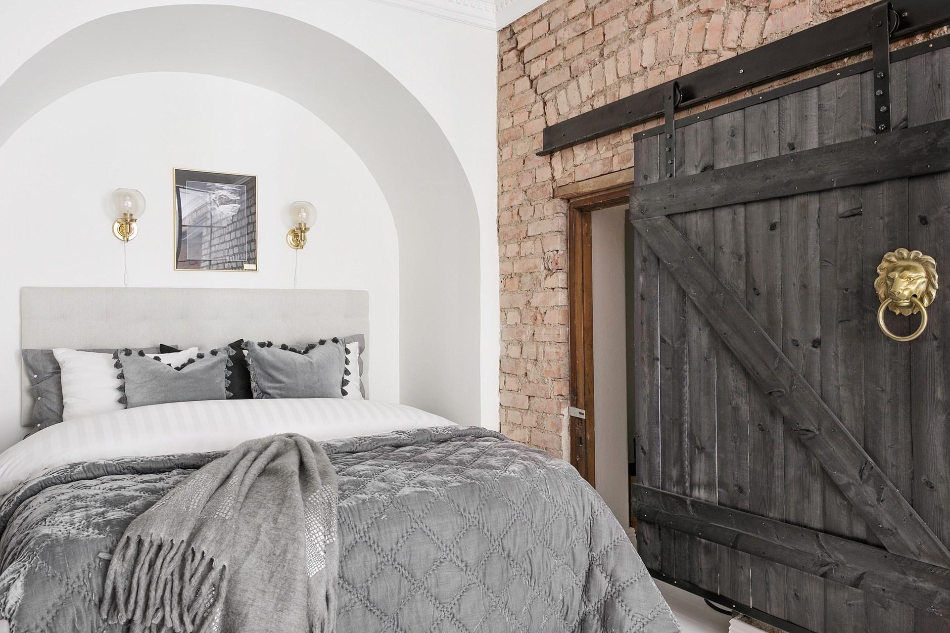кровать ниша дверь купе