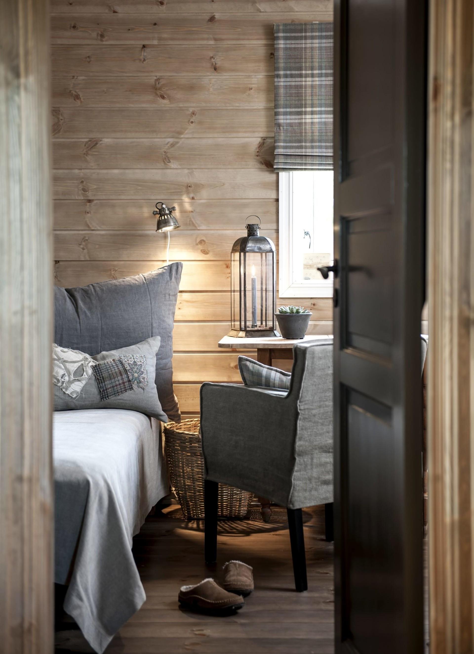 спальня кровать окно кресло
