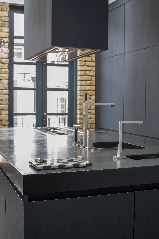 кухня кухонный остров столешница мойка смеситель плита вытяжка