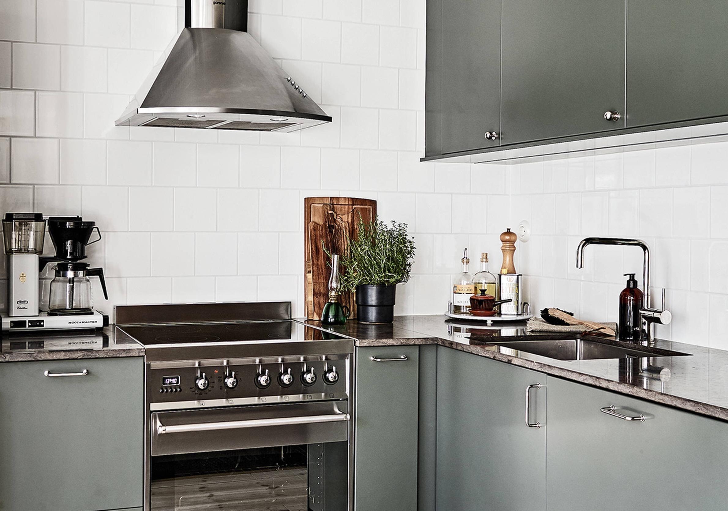 кухня столешница мойка смеситель плита вытяжка