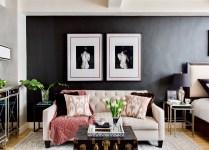 гостиная диван темные стены