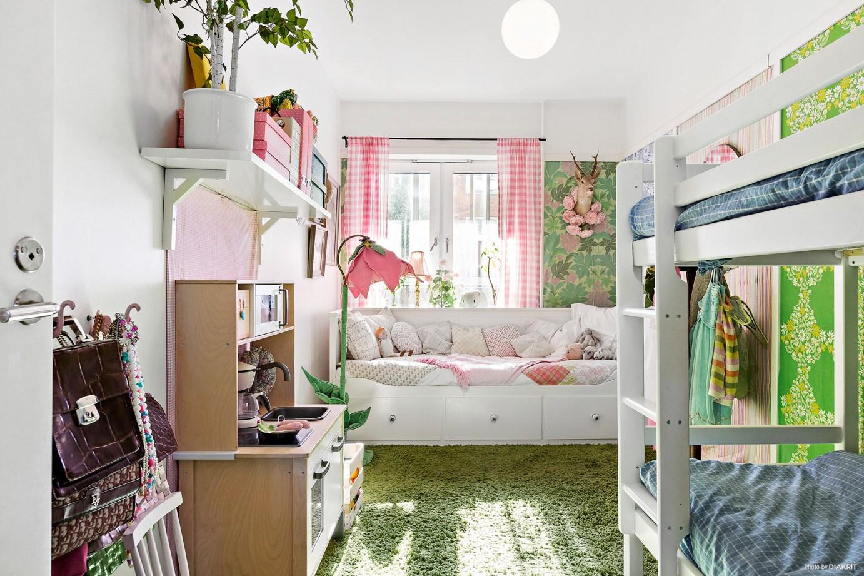 детская комната двухэтажная кровать диван-кровать