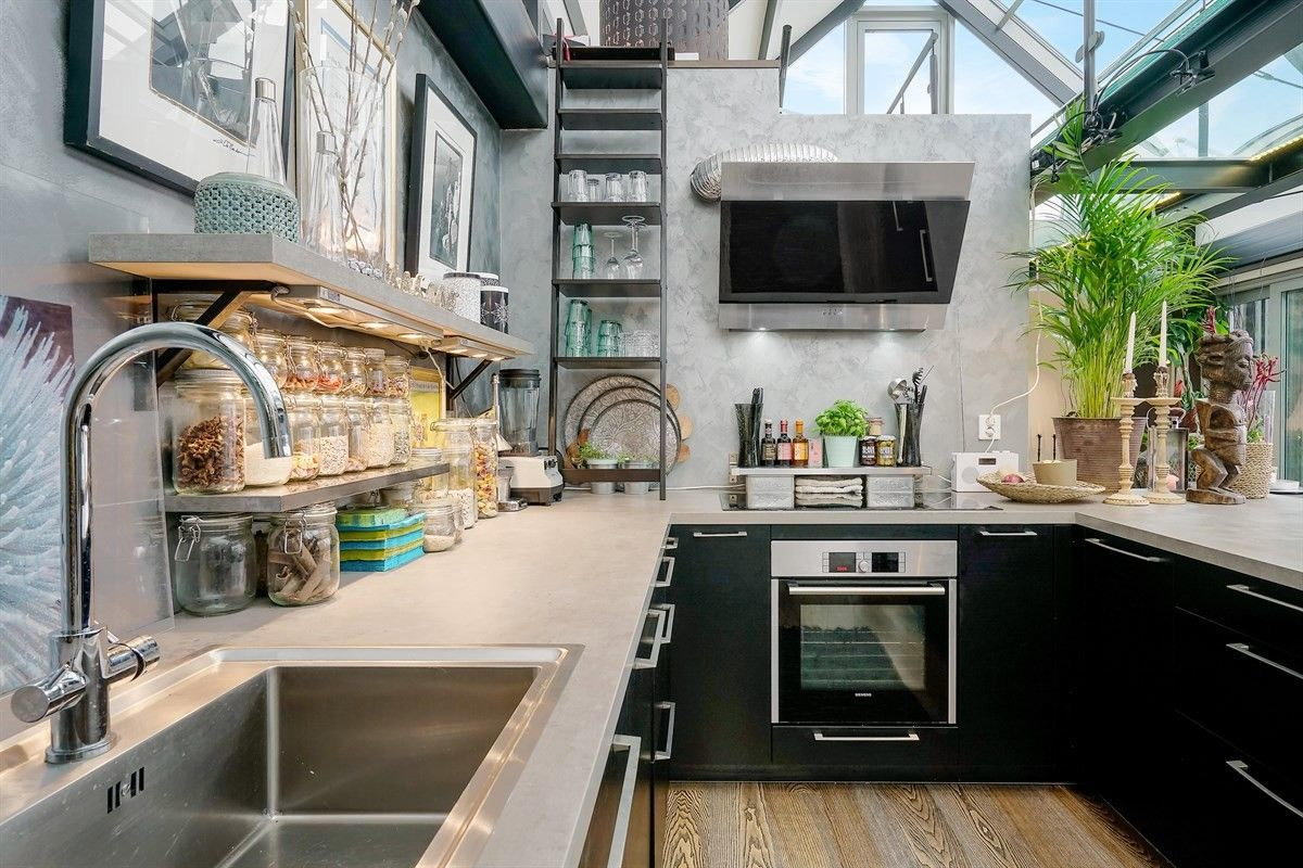 кухня столешница мойка плита вытяжка