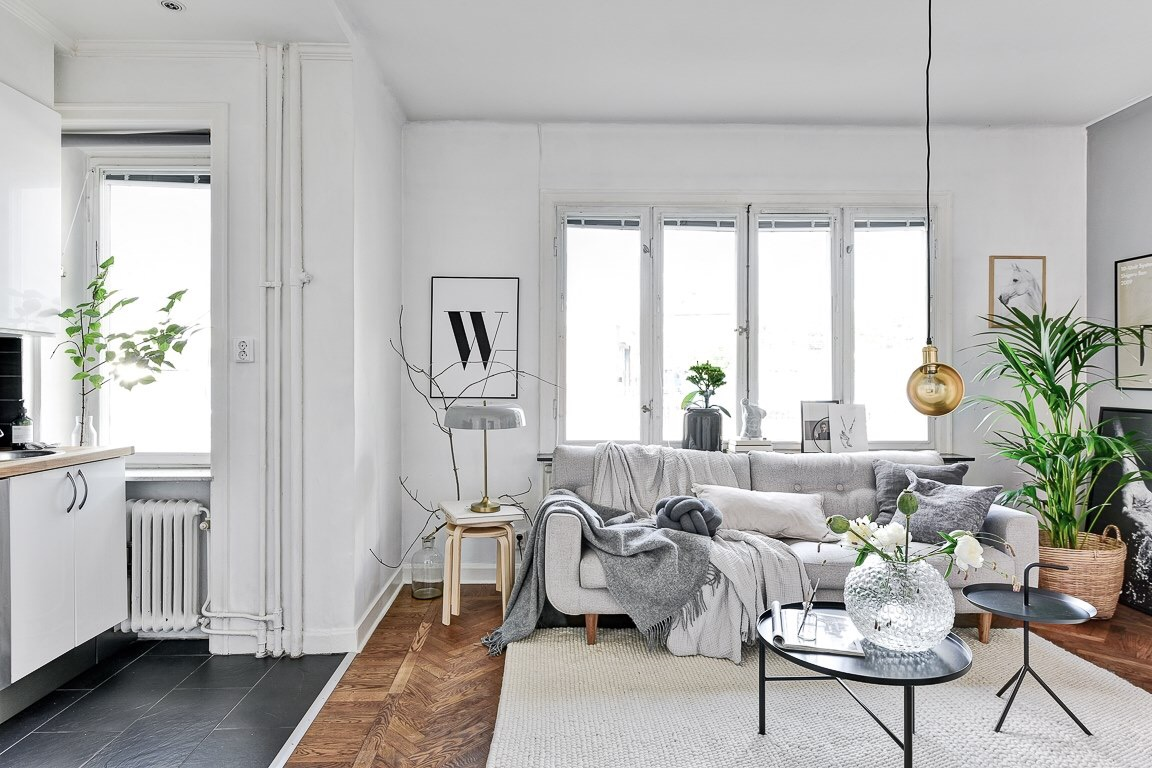комната окно диван
