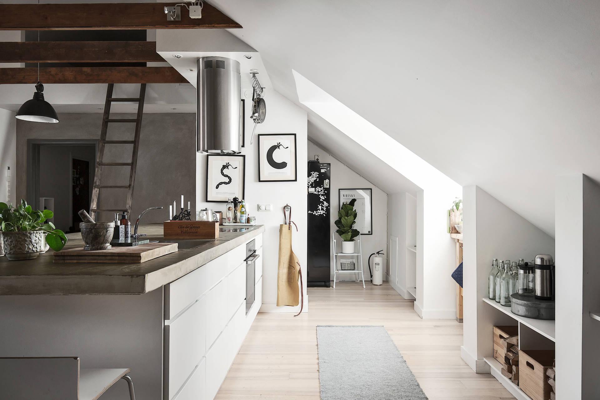 мансарда кухня кухонный остров плита вытяжка столешница лестница
