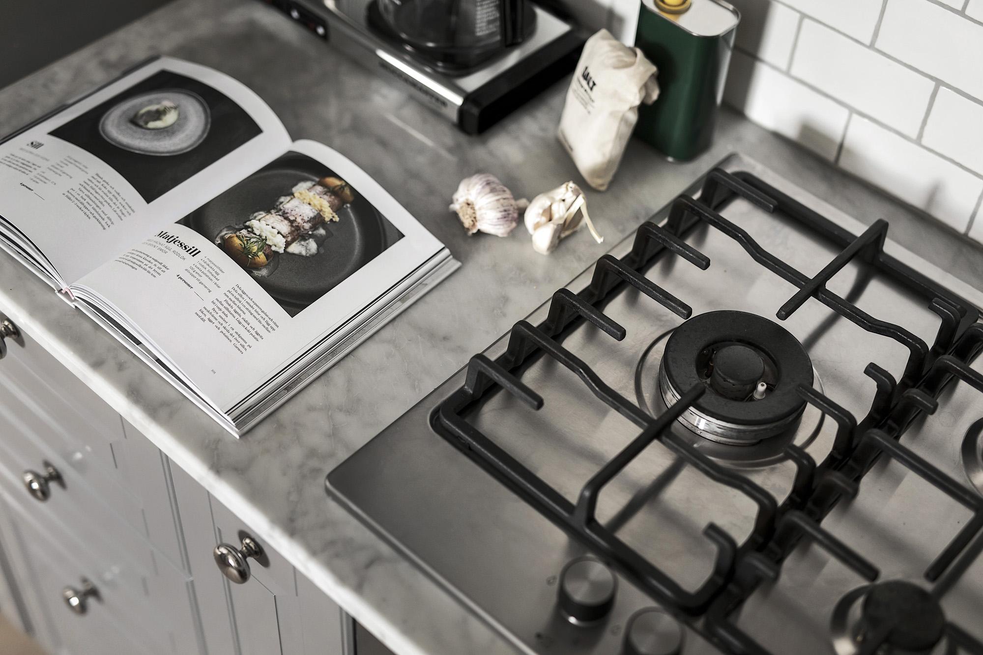 кухня столешница плита