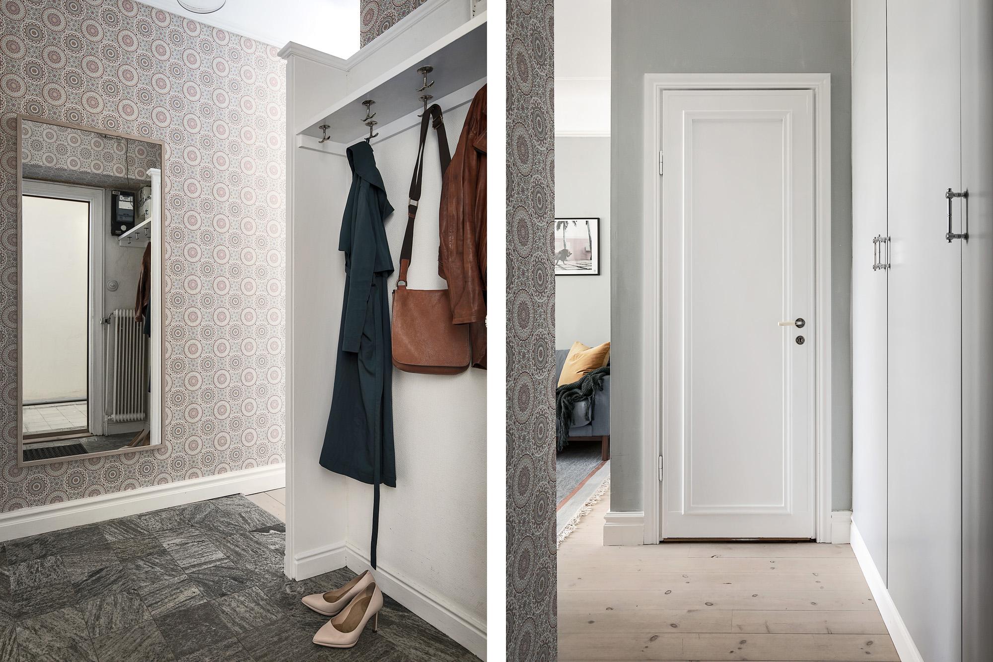 прихожая зеркало шкаф коридор одежда дверь обои