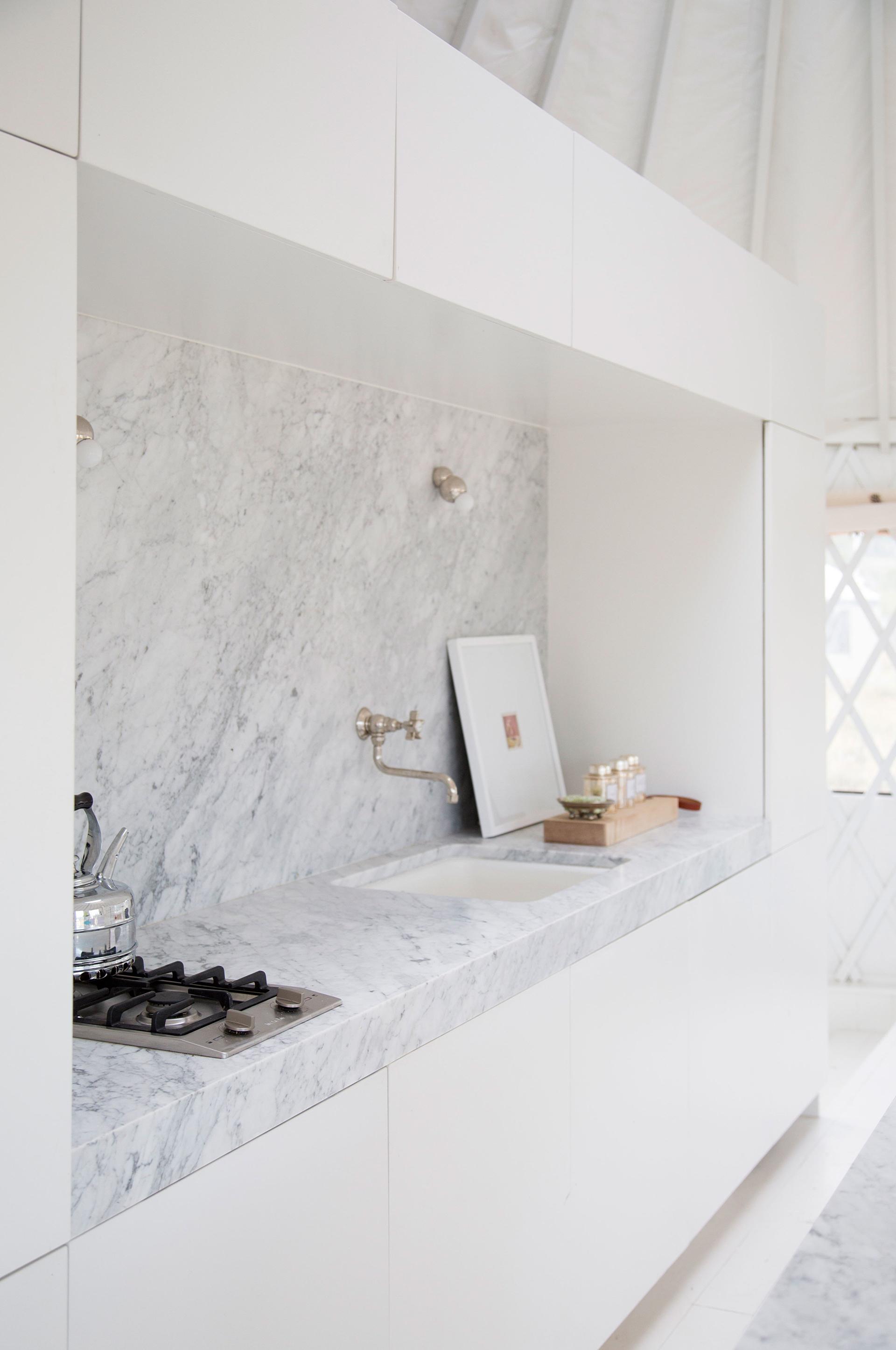 кухонный фартук столешница мрамор
