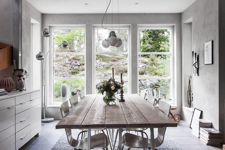 кухня столовая панорамное остекление обеденный стол стулья