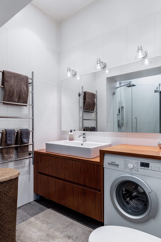 ванная комната раковина столешница стиральная машина полотенцесушитель