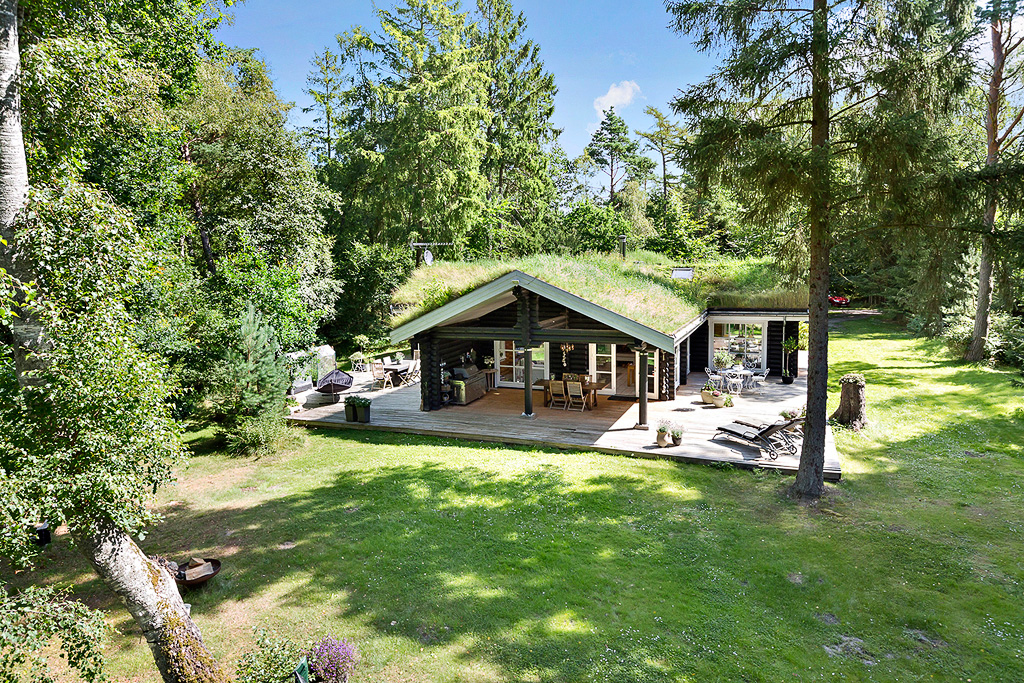 деревянный дом терраса настил отмостка