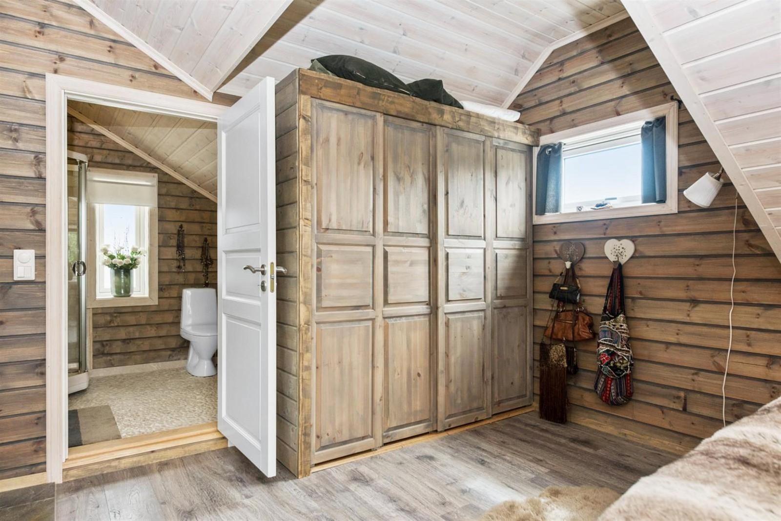спальня шкаф санузел