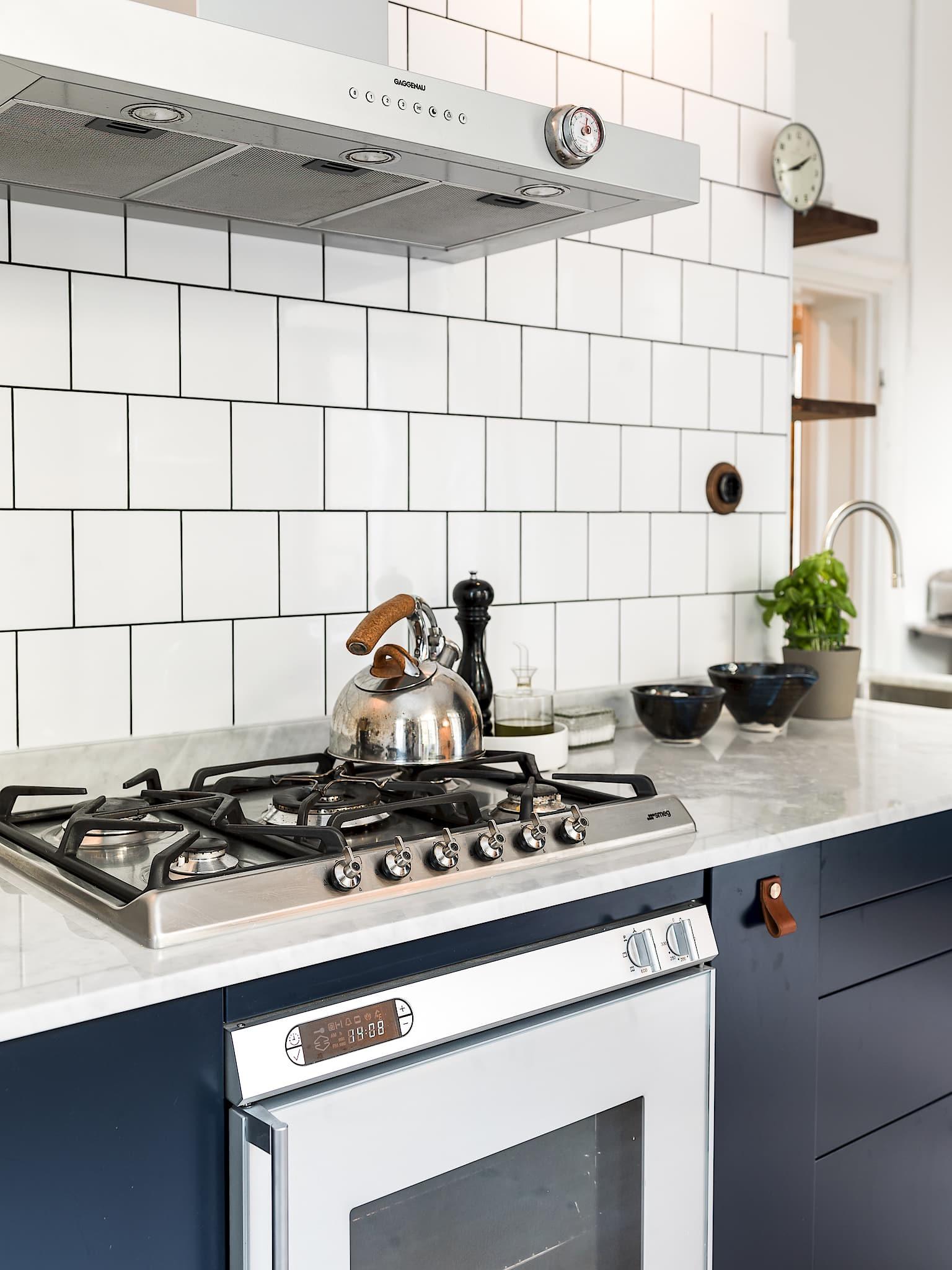 кухня столешница варочная газовая панель духовка, вытяжка