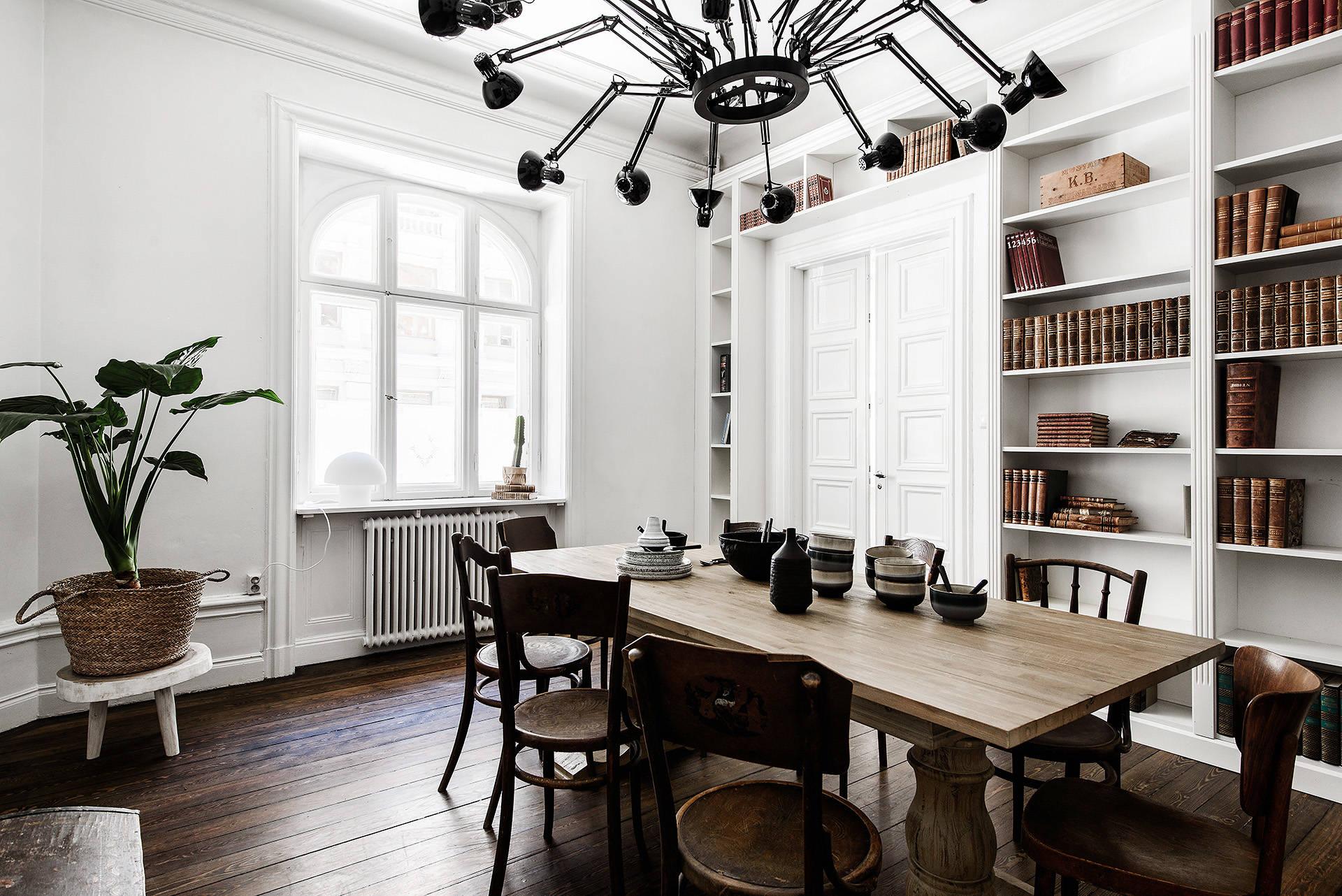 обеденный стол стулья лампа Dear Ingo