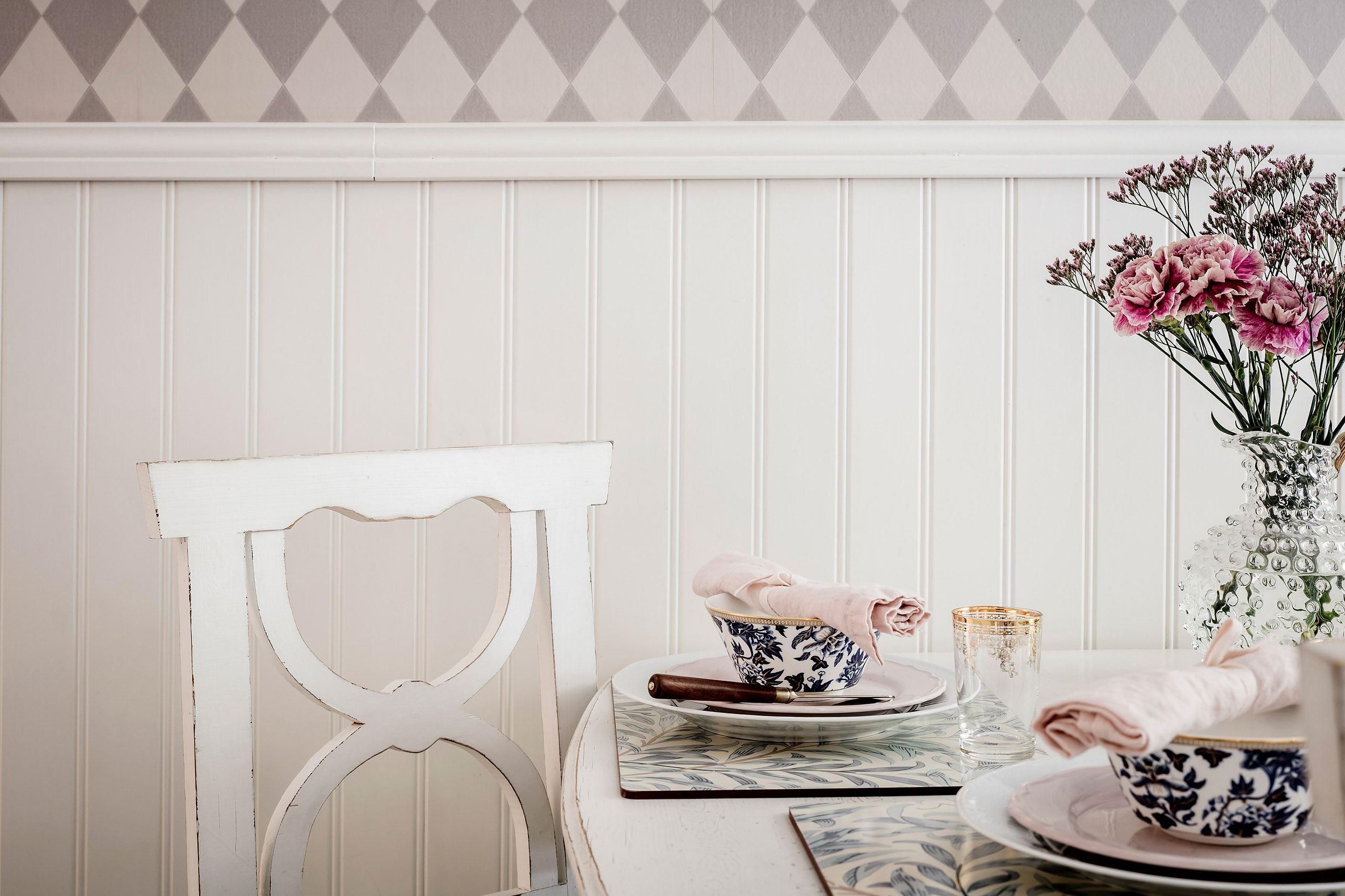 стеновые панели обои стол сервировка