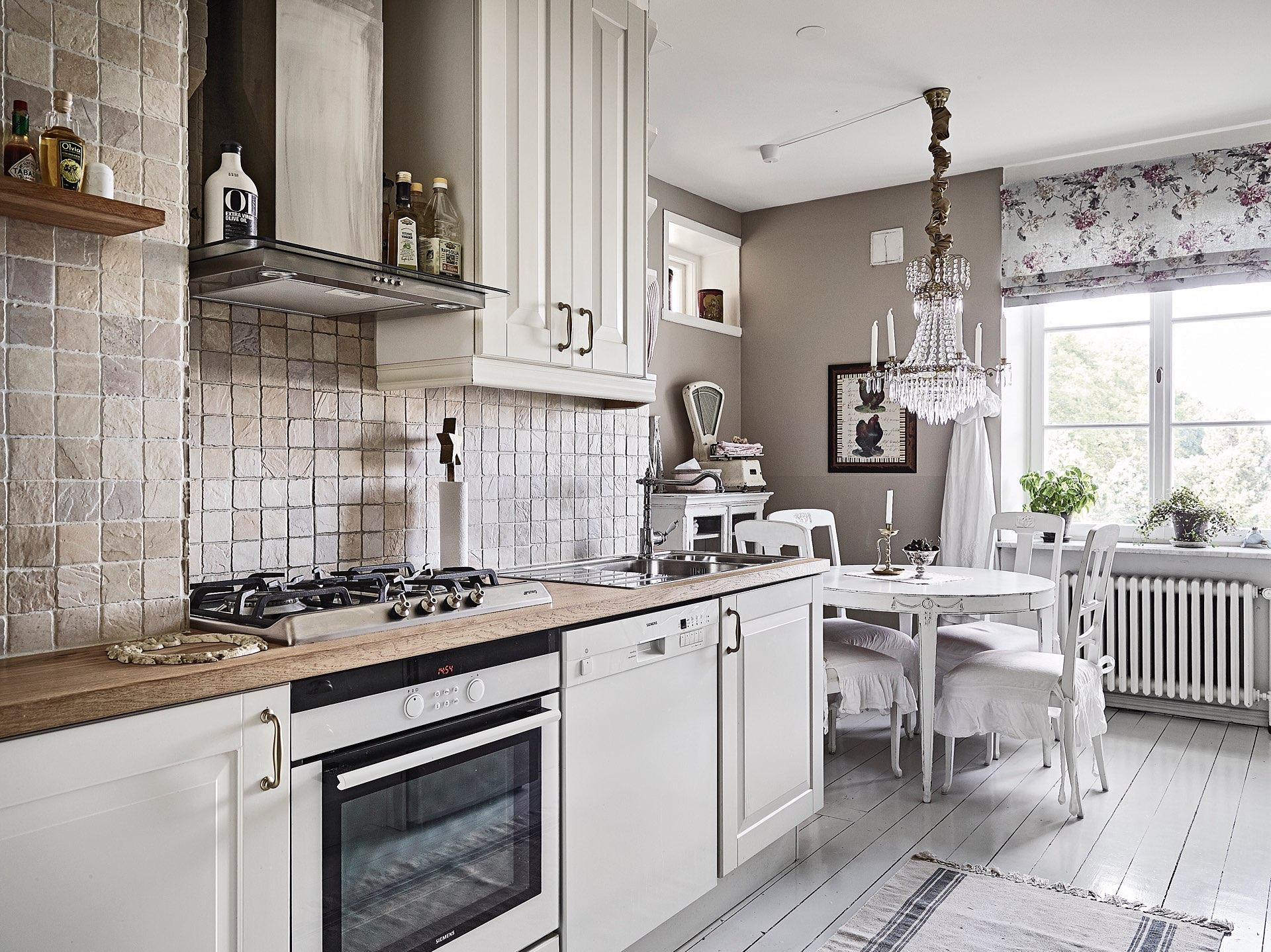 кухня газовая варочная панель духовка вытяжка квадратная плитка