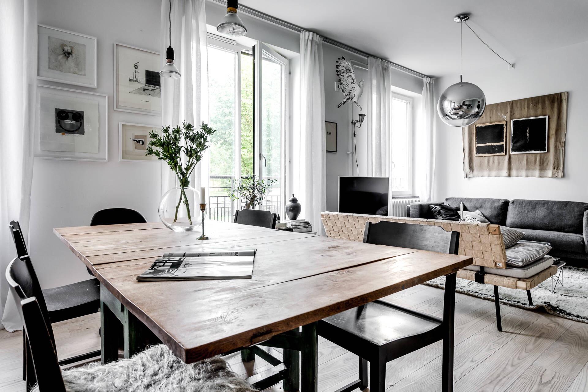 гостиная обеденный стол стулья окна