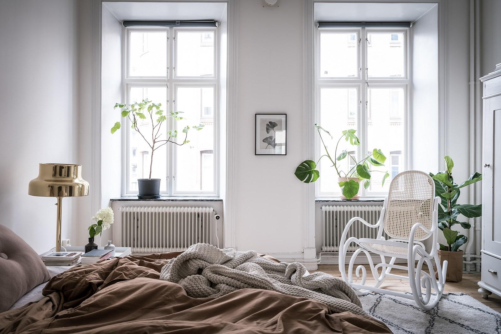окна радиаторы отопления кровать