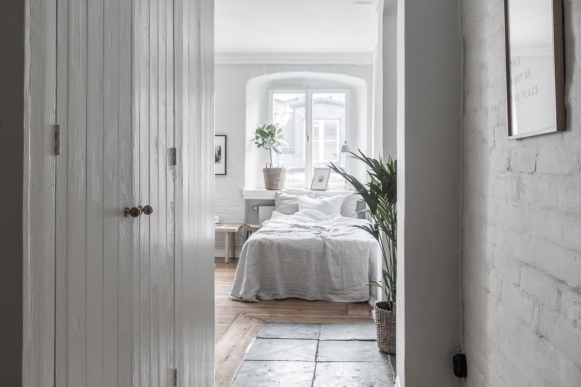 спальня кровать окно шкаф текстиль